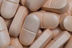Пилюльки витамина или конец-вверх дополнений Стоковые Изображения