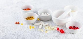 Пилюльки, таблетки и капсулы медицины Стоковое Изображение RF