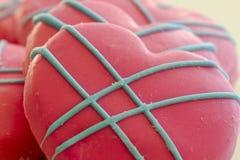 Пинк и замороженные синью печенья сердца Стоковое Изображение