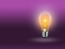 Пинк предпосылки идеи света лампы шарика Стоковое Фото