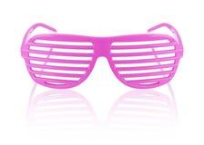 Пинк striped изолированные солнечные очки Стоковая Фотография