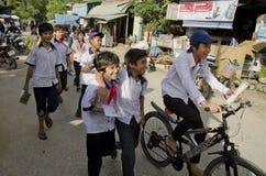 Пионеры в въетнамской деревне Стоковое фото RF