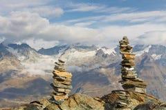 пирамиды из камней alps швейцарские Стоковое Изображение