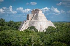 Пирамида волшебника, руины Майя Uxmal, Мексика Стоковые Фото