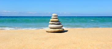Пирамида камней, баланс Дзэн Стоковое фото RF