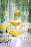 Пирамида стекел шампанского в празднике Стоковое фото RF