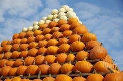Пирамида тыквы стоковые фото