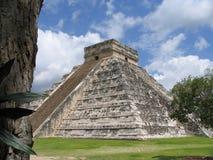 Пирамида - Chichen Itza - Юкатан/Мексика Стоковые Изображения RF