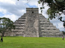 Пирамида - Chichen Itza - Юкатан/Мексика Стоковое Изображение RF