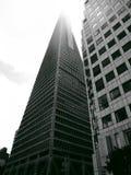 Пирамида Transamerica исчезая в облако Стоковое фото RF