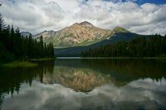 пирамидка национального парка озера яшмы Стоковое Изображение