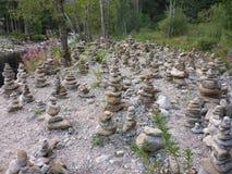 Пирамиды из камней около реки Стоковое фото RF
