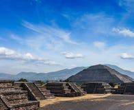 Пирамиды Teotihuacan Стоковое Изображение