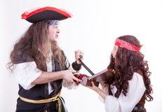 2 пирата воюя для коробки tresure Стоковое Изображение RF