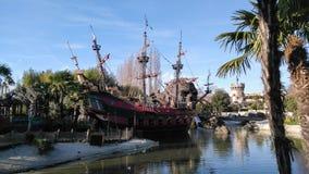 Пиратский корабль ДИСНЕЙЛЕНДА ПАРИЖА Стоковое Фото