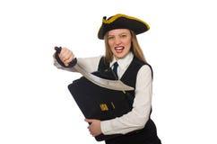 Пиратствуйте девушку держа сумку и шпагу изолированную дальше Стоковые Изображения RF