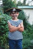Пират мальчика с стеклами Стоковое Изображение
