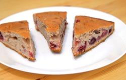 Пирог вишни на плите Стоковое Фото