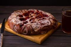 Пирог вишни на темной предпосылке Стоковое Изображение RF
