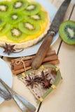 Пирог и специи пирога кивиа Стоковая Фотография