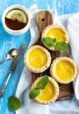 Пирог и чашка чаю лимона Стоковая Фотография