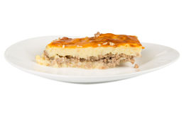 Пирог картошки на белой плите Стоковая Фотография RF