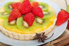 Пирог пирога кивиа и клубники Стоковые Изображения