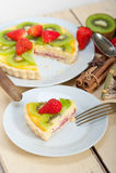 Пирог пирога кивиа и клубники Стоковые Фото