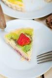 Пирог пирога кивиа и клубники Стоковое Изображение RF