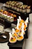 Пирог плодоовощ сливк лакомки с ягодами Стоковая Фотография RF