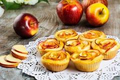Пирог розы Яблока форменный Стоковые Фотографии RF
