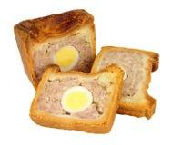 Пирог свинины традиционного английского яйца торжественный стоковые фото