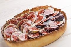 Пирог со смоквой со сливк сыра стоковое фото