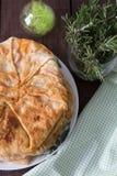 Пирог с заполнять потушенная капуста с яичком Стоковая Фотография RF