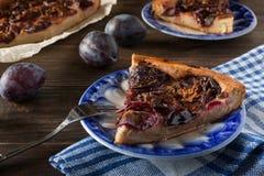 Пирог сливы циннамона Стоковая Фотография RF