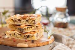 Пирог с картошками и мясом Стоковая Фотография