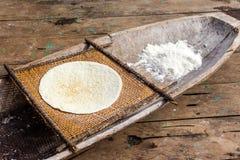Пирог тапиоки кассавы в Th Амазонке стоковые фото