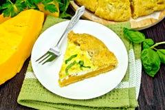 Пирог тыквы и сыра в плите на салфетке Стоковое Изображение RF