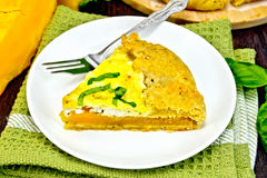 Пирог тыквы и сыра в плите на зеленой салфетке Стоковое фото RF