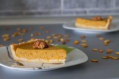 Пирог тыквы 2 кусков традиционный Стоковая Фотография