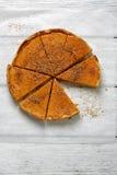 Пирог тыквы осени на белых досках Стоковая Фотография