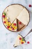 Пирог шоколада с манго и полениками Стоковая Фотография