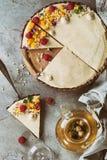 Пирог шоколада с манго и полениками Стоковые Фото