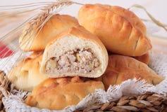 Пирожки каши ячменя с луками Стоковая Фотография