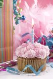 пирожне дня рождения один год стоковое фото rf
