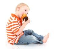 пирожне мальчика стоковые фотографии rf
