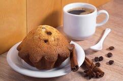 Пирожное и кофе стоковое фото rf