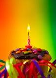 Пирожное дня рождения, праздничное украшение, свеча Стоковая Фотография RF