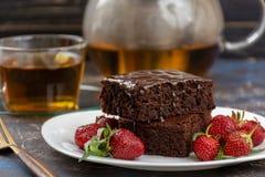 Пирожное Vegan с поливой шоколада Стоковые Изображения RF