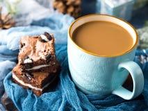 Пирожные и кофе плавленого сыра с молоком Стоковое фото RF